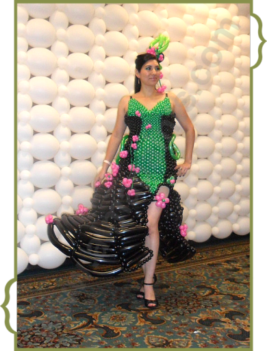 balloon dress San Antonio, balloon art, balloon decor, Almapaints