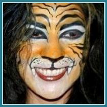 Face Painter, San Antonio, Balloon Artist, full face tiger face painting, tiger, full face twister, balloon decorator, San Antonio small business owner, Almapaints