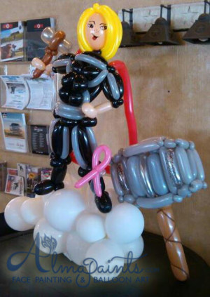 Thor balloon art in San Antonio, balloon decorations, super hero theme, thor centerpiece, Almapaints, the best superhero balloons in San Antonio