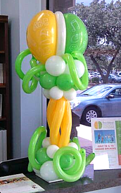 balloon centerpiece, balloon decor, balloon art, Brain Balance, Almapaints, the most popular balloons in San Antonio,  balloon column