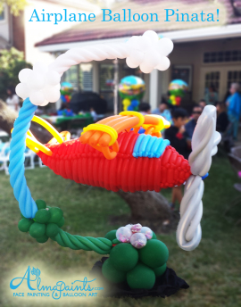 airplane balloon pinata, balloon art San Antonio, balloon decor, Almapaints