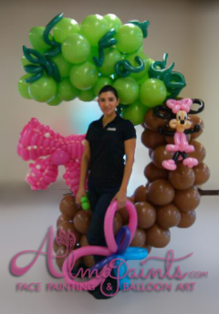Minnie Mouse bow balloon pinata, balloon decor, balloon art, Almapaints,pinata in San Antino
