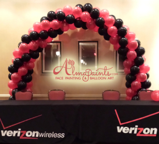 Verison balloon arch in San Antonio, balloon decor, Almapaints, balloon decor, balloon art