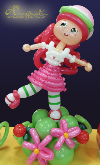 The best balloon artist in San Antonio Almapaints, Strawberry Shortcake, balloon center peices, the best balloon decorations in San Antonio, balloon decor, balloon art